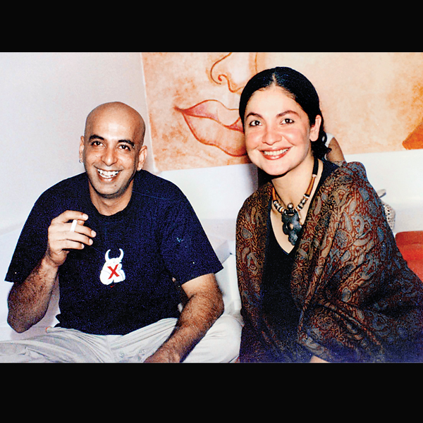 Pooja Bhatt And Munish Makhija Divorce Photos