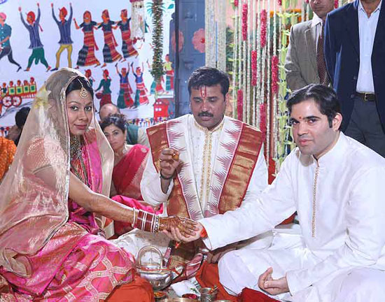 Varun Gandhi Married To Yamini Roy Chowdhury