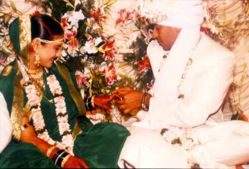 Kajol�s And Ajay Devgn Marriage Photos