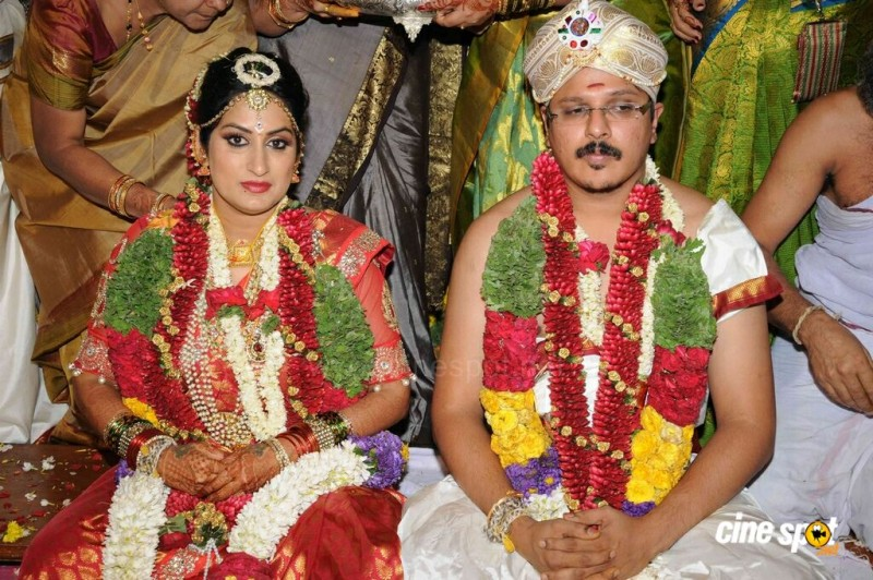 Actor Roopa Iyer And Gowtham Srivatsa Wedding Photos`