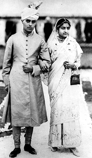 Jawaharlal Nehru And Kamala Wedding Photos