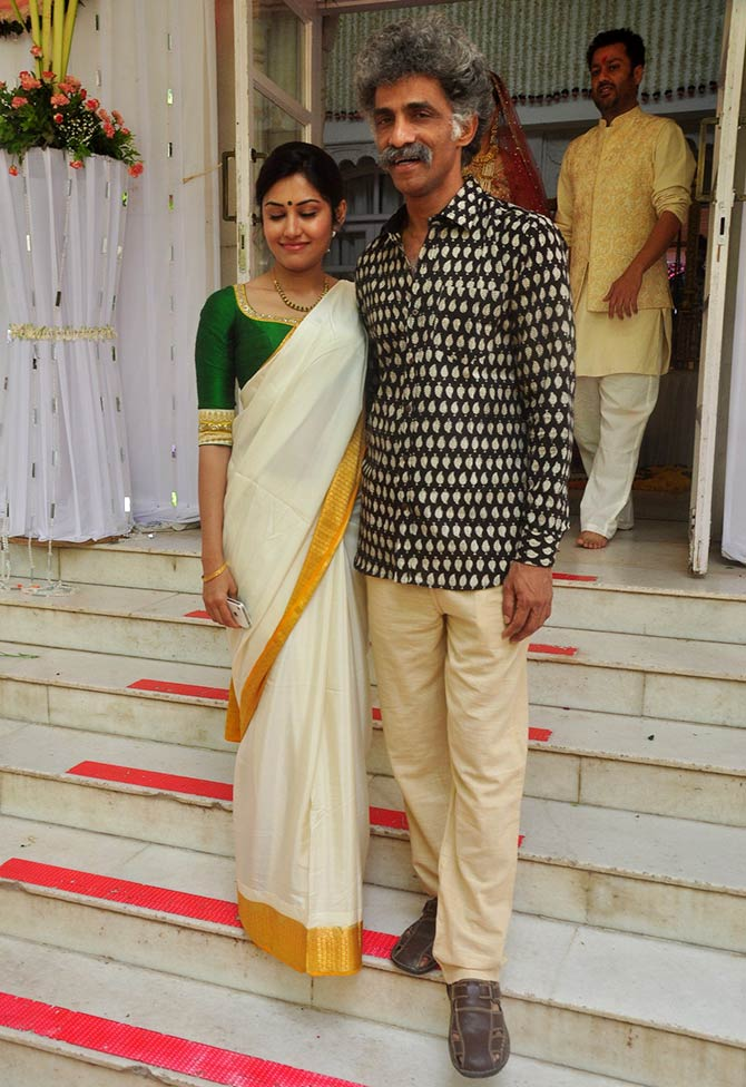 Makarand Deshpande And Nivedita Pohankar Marriage Photos