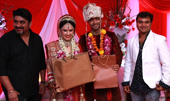 Puja Joshi And Maanish Wedding Pics