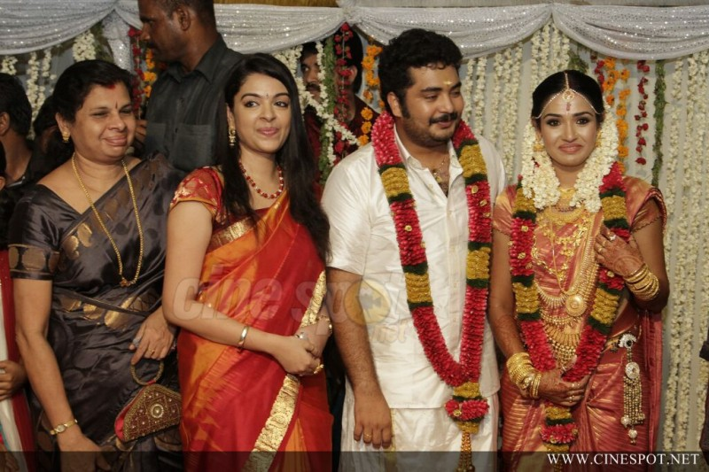 Malayalam Actor Vinu Mohan And Vidhya Wedding Photos