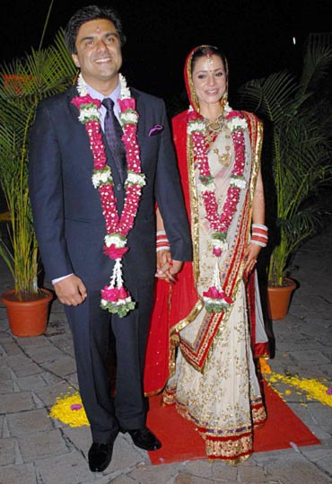 Samir Soni And Neelam Kothari Wedding Pics