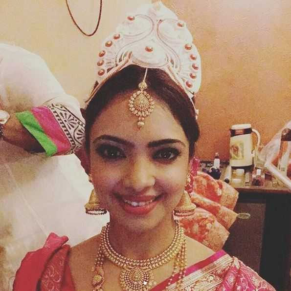 Pooja Banerjee Got Hitched To Her Long Time Boyfriend