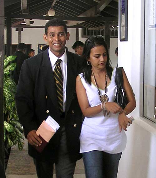 Srilanka Cricketer Dilshan And Nilanka Vithanage Divorce Photos