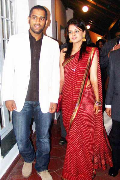 MS Dhoni Girlfriend Sakshi Rawat Wedding Photos