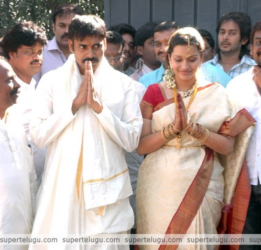 Pawan Kalyan And Renu Desai Wedding Pictures