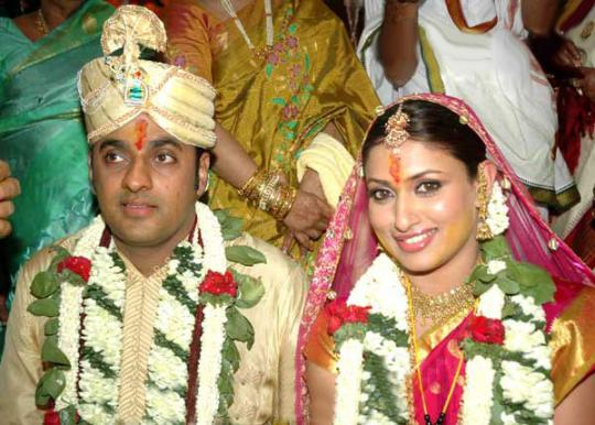 Sumesh And Actress Malavika Wedding Pictures