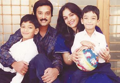 Raghini And Actor Murali Karthikeyan Wedding Pictures