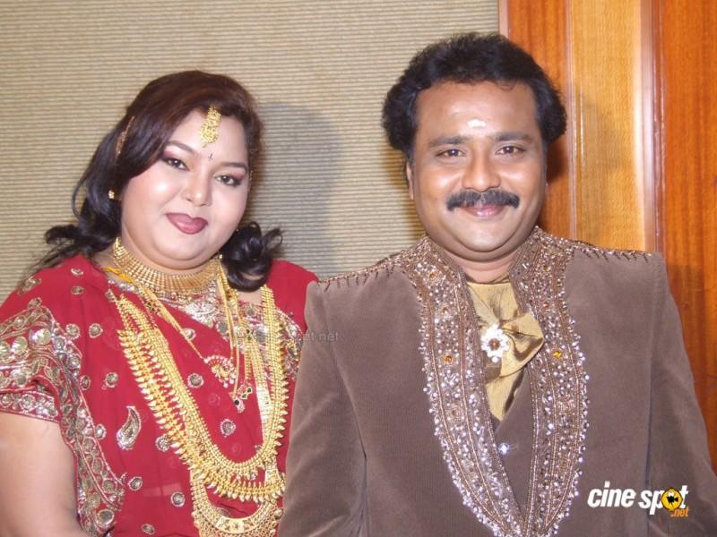 Actor Aarthi And Ganeshkar Wedding Photos