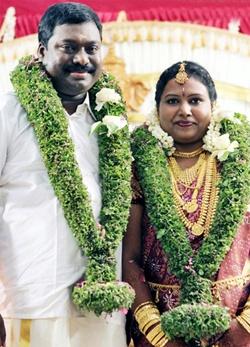Athulya Jayakumar And Singer Jassie Gift Marriage Photos