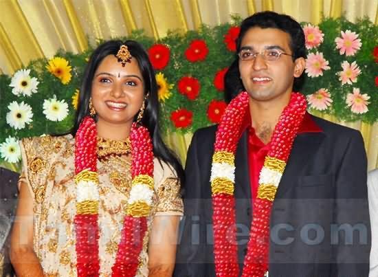 Singer Mahathi And Sreekumar Wedding Photos