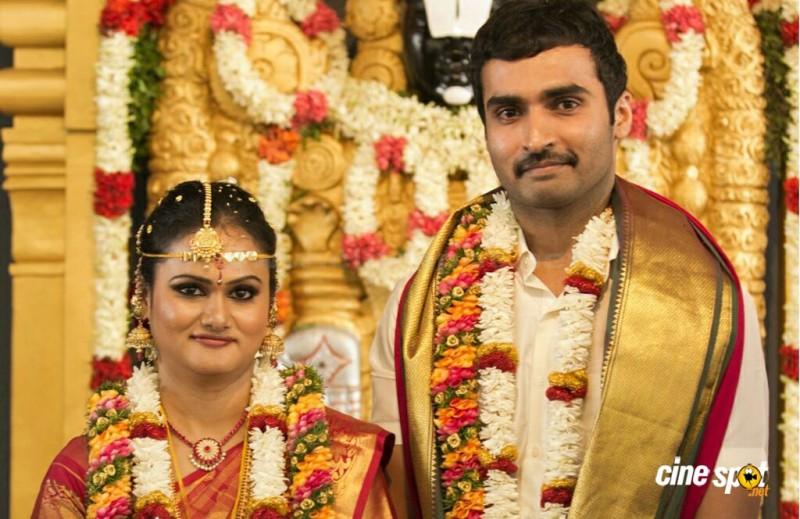Vidhyaroopa Sadasivam And Actor Nandha Marriage Photos