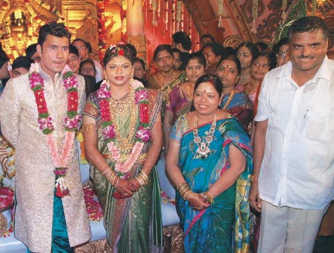 Botsa Satyanaraya Daughter Aunusha And Bharat Kumar Wedding Photos