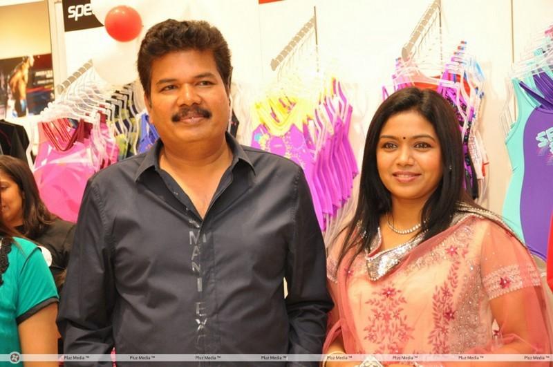 Shankar And Easwari Wedding Photos