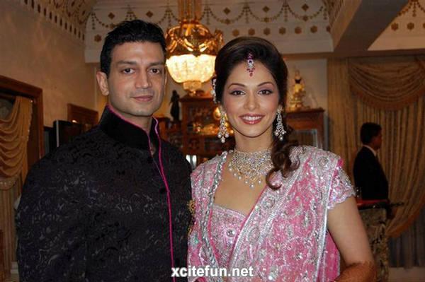 Isha Koppikar And Timmy Narang  Marriage Photos