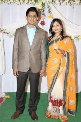 Jhansi And Singer Dinkar Marraige Photos