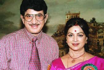 Vijaya Nirmala And Super Star Krishna Marriage Photos