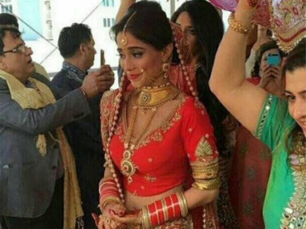 Popular Tv Actress Somya Seth Gets Hitched With Boyfriend