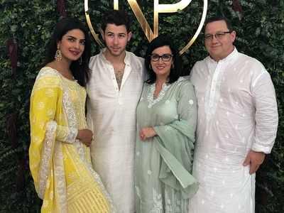 Priyanka Chopra And Nick Jonas� Engagement Pics