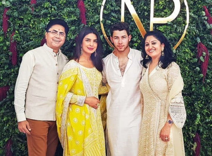 Priyanka Chopra And Nick Jonas� Engagement Pics
